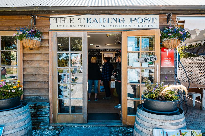The Trading Post Glenorchy Cafe and Souvenirs